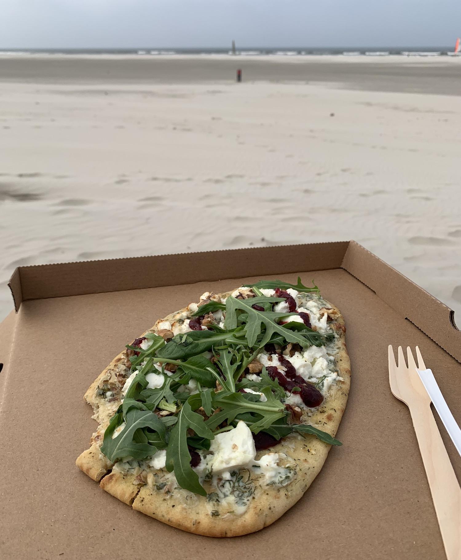 west aan zee pizza